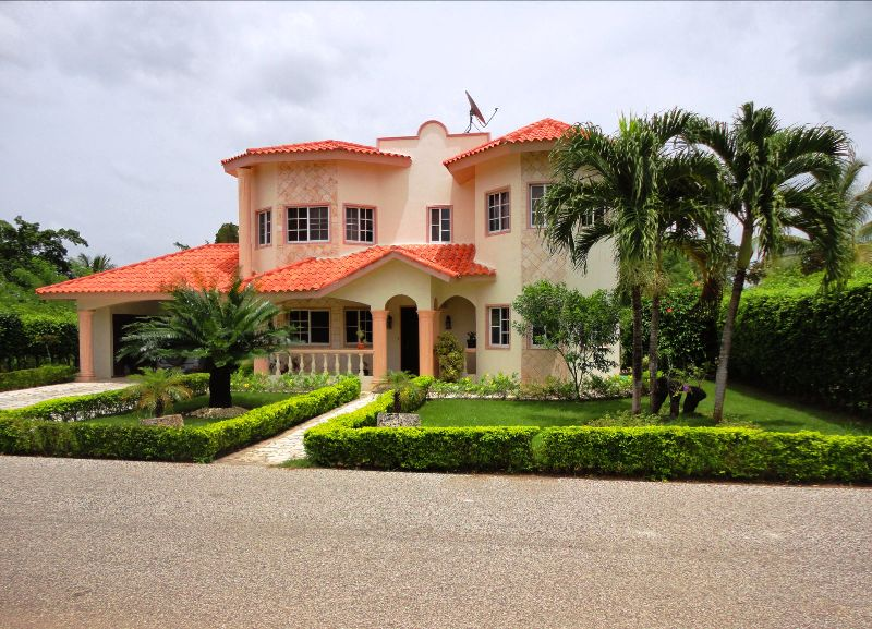 Metro Country Club Villas For Sale